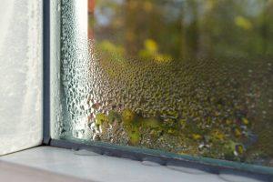 rekuperacija-vlaga-na-oknu